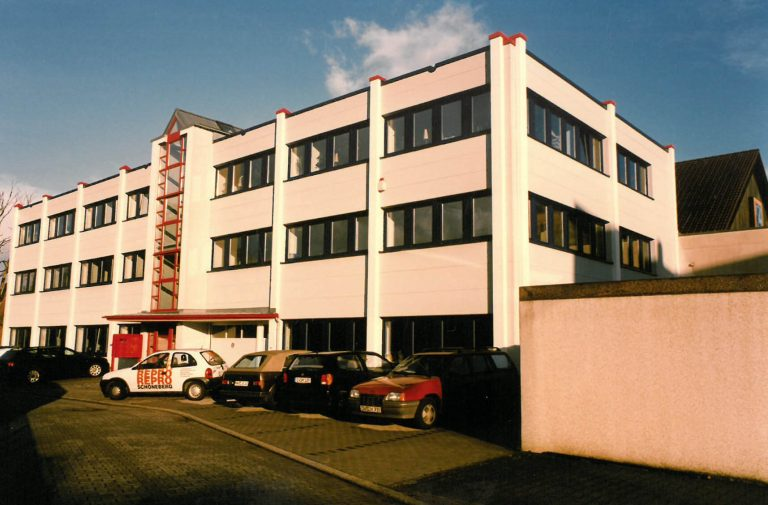 Neues Firmengebäude 1996